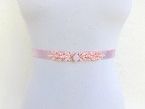 Light pink elastic waist belt. Lace leaves belt.  Pink rose swarovski crystal belt. Baby pink belt. Wedding belt. Bridal belt. Dress belt.