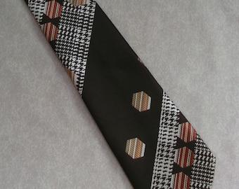 Vintage tie by Keynote 1970s funky mod geometric design in brown & white necktie