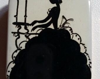 Vintage...1920's - 1930's  Mini Compact.....DIVINE....Womens Silhouette...Enameled..Goldtone...Powder Compact