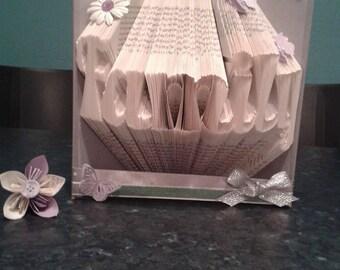 Book Folding Pattern for Fancy Family +FREE TUTORIAL