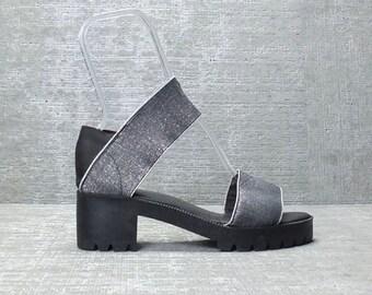 Vtg 90s Metallic Silver Elastic Strap Chunky Sandals Shoes 9 - 9 1/2