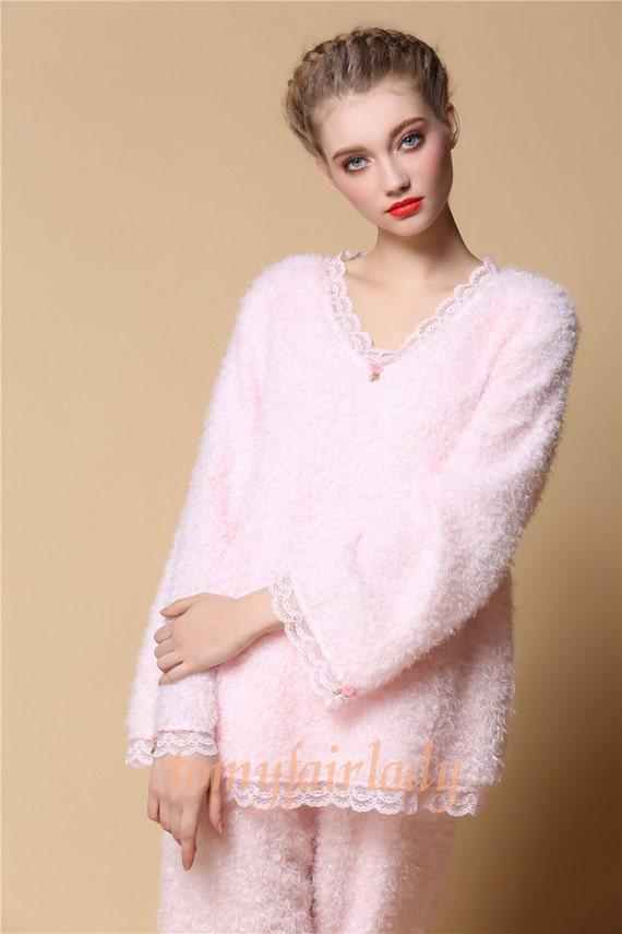Handmade Baby Pink Autumn Winter Flannel Lace Pajamas Set 50s Vintage Rose Pink Soft Warm Sleepwear Princess Pink V Neck Two Piece Nightwear