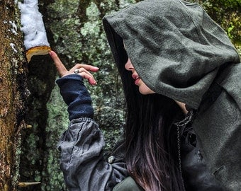 FOREST CLOAK Made of soft natural wool, with wide hood and arm holes. Very comfortable and cosy. For LARP and reenactment. Made to order.