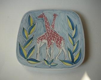 Graverens of Norway Wall Plate Majolica Dish Giraffe 793/SP Keramik Sandnes