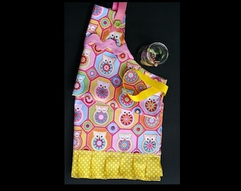 Girl's owl apron. Pink, blue and yellow girl's apron.  Handmade.