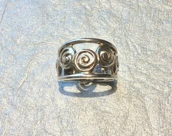 Swirl Design Sterling Silver Ring Size 7