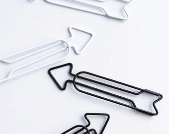 Arrow paper clip