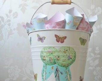 Confetti Holder, bucket for petals, confetti for wedding  rose petal confetti