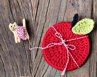 Crochet coasters, crochet apple coasters with felt backing, set of 4 / gift ideas, kitchen accessories, home accessories