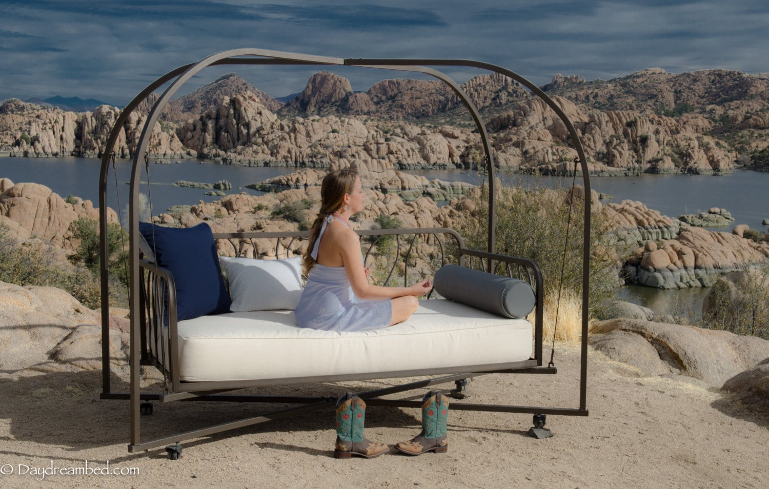 Outdoor hanging bed patio swing daybed custom free by for Outdoor hanging bed swing