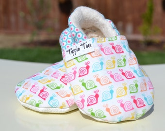 Snail shoes, toddler shoes, little girl, soft sole moccasins, baby clothes, baby girl, cute shoes