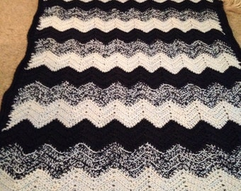 Navy blue ripple afghan