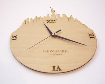 "Wooden wall clock - World cities ""New York"""