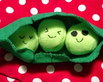 Peas In a Pod Plush - Baby Toys Green Peas Plushie