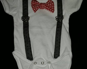 Boys onesy - Onesy with bow tie and suspenders, changeable bow tie