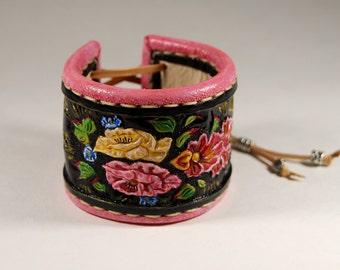 Leather Cuff Bracelet. Floral ornament. Carving leather bracelet.