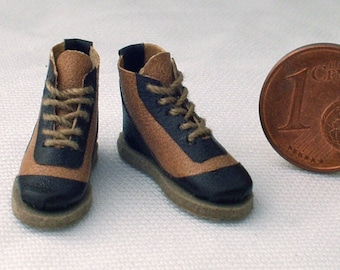 Sports shoes leather and rubber, 1/12 scale