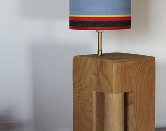 Lighting with integrated handle