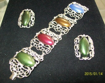 SALE! ! ! Sarah Coventry Bracelet & Earrings Thermoset Plastic