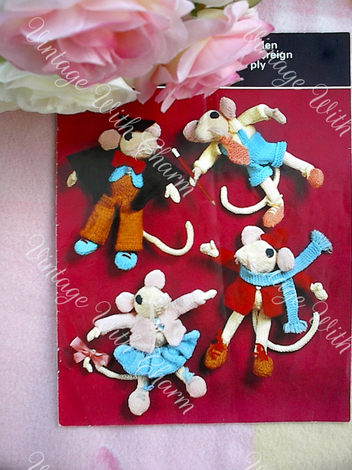 Vintage Knitting Patterns Toys : Vintage Knitting Pattern Toy 4 Mice Friends In Clothes.