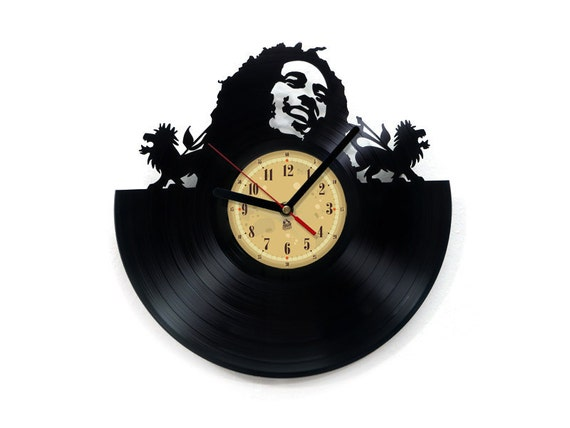 horloge vinyle bob marley upcycling par thevinyleatersshop etsy le fait main. Black Bedroom Furniture Sets. Home Design Ideas