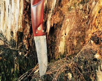 HANDCRAFTED HUNTING KNIFE