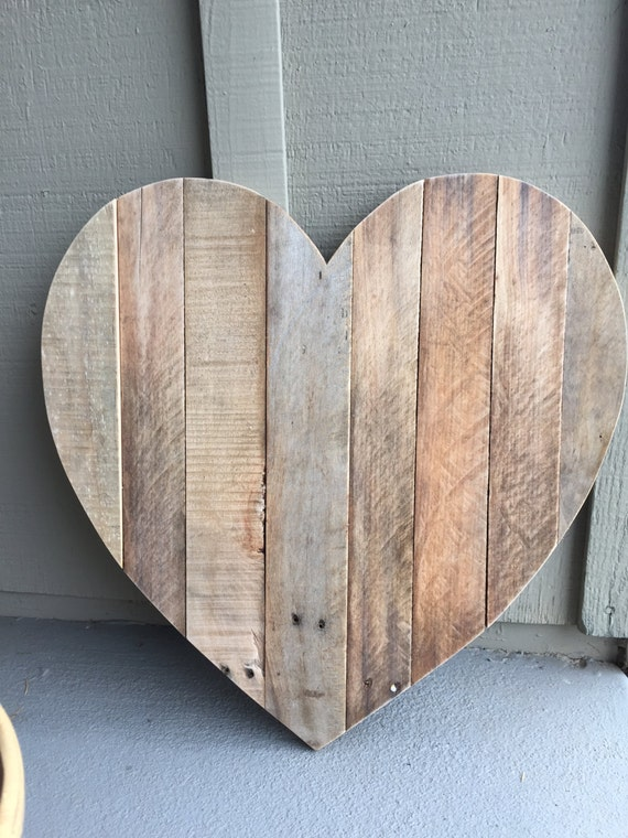 Rustic Heart Shaped Pallet Wood Sign