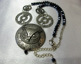 Metal Owl Pendant Necklace