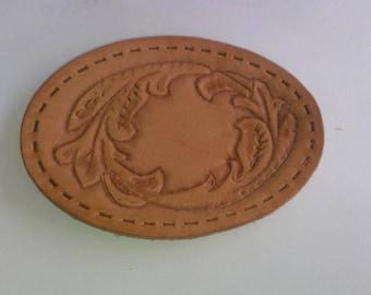 Customized leather belt buckle