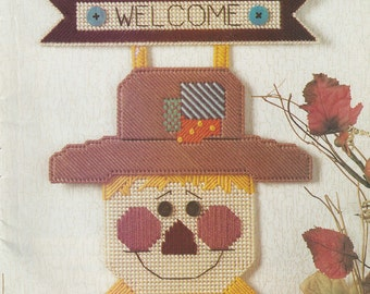 Scarecrow Welcome Sign in Plastic Canvas