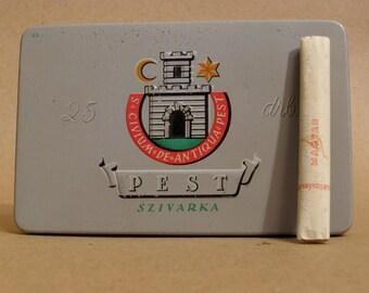 Vintage cigarette tin box PEST Zigaretten Blechdose - Hungary 1946 - & ORIGINAL CIGARETTES
