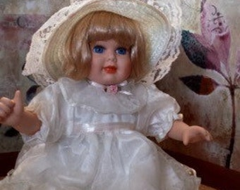 Seymour Mann - Collectible Doll - The Connoisseur Collection - White Dress with Hat