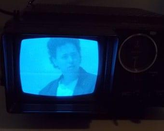 Portable Television TV Vintage Black White AM FM Transistor radio 5TV-521R B/W