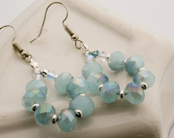 Soft aqua blue earrings, aquablue earrings with faceted glassbeads