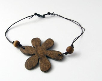 Wood flower necklace