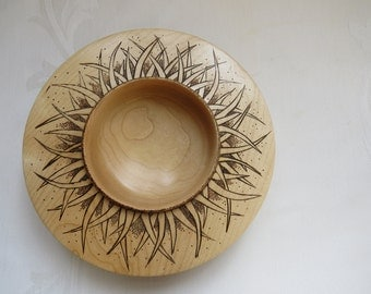 Wooden turned and pyrographed Maple - Maple bowl turned and pyrographed wooden Bowl