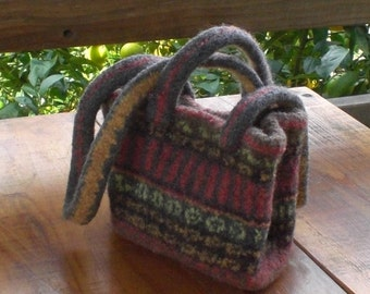 Small tote bag of hand-knitted, felted wool