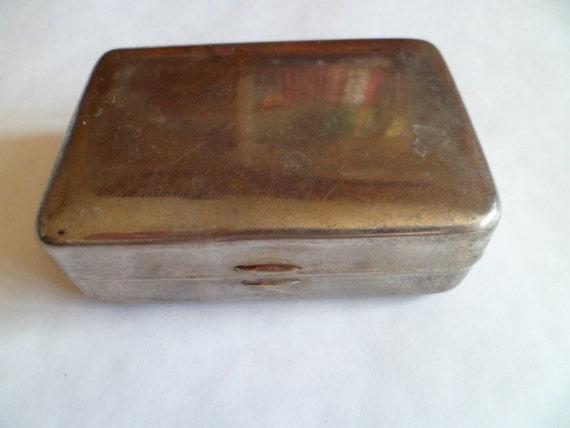 Porte savon sovi tique vintage bo te de m tal savon de for Boite porte savon