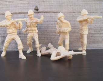 Vintage 1970's Plastic Army Men, and Toy Soldiers, Retro Collectible Toys, Childhood Nastalgia, Military Toy Army Men, Set of (5)