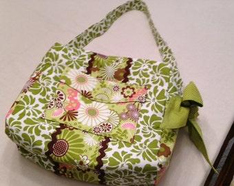 Cute and roomy shoulder bag