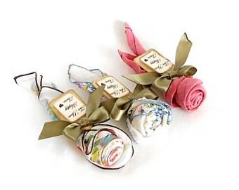 Vintage Handkercheif Roses - Wedding Ceremony Favor Rose - Set of 5 - Unique Favor