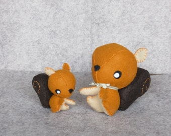 Felt pair of squirrels