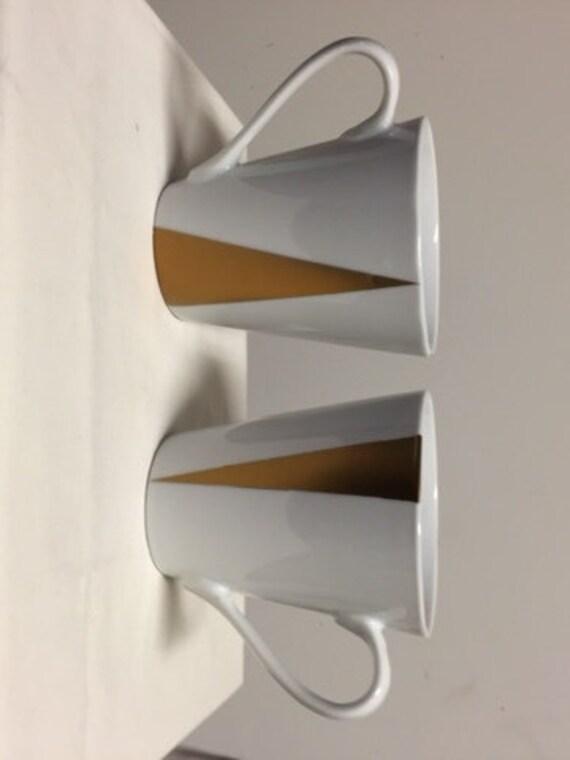 Gold triangle mug sets