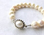White Pearl Bracelet, Freshwater Pearls and Silver Wedding Bracelet, Pearl Box Clasp, Modern Pearl Bracelet, Pearl Bridal Bracelet