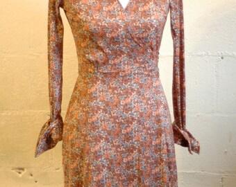70's vintage dusty rose floral wrap dress size s / m