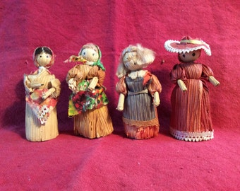 Miniature corn husk dolls
