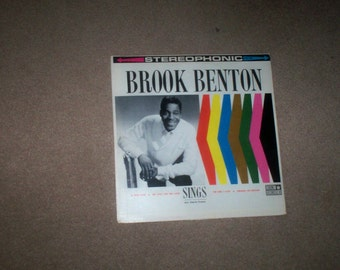 BROOK BENTON  SINGS