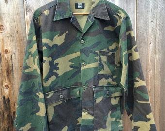 Vintage 1980s Gung Ho brand camo shirt