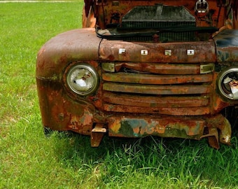 Old truck photograph.