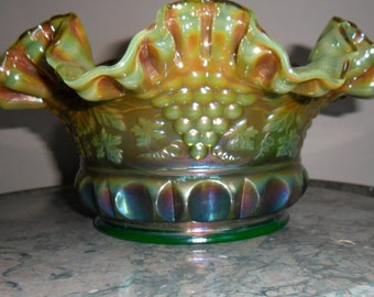 """Carnival Glass Fenton  """"GRAPE AND CABLE'' Large Ruffled Bowl in Green Opal (001)"""